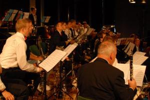 Trompeten und Klarinetten